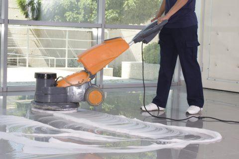 Tout savoir sur le nettoyage des sols intérieurs