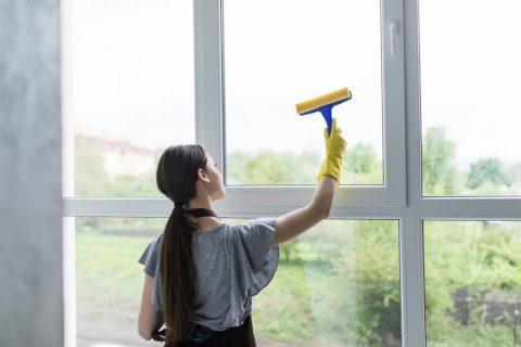 Quelles sont les deux méthodes de nettoyage des vitres ?